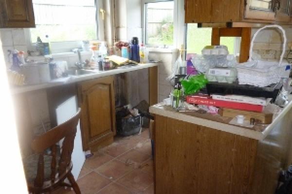 brackla-house-clearance-31-300x225DFC2C889-2466-2F28-8605-9BC15994F3A9.jpg