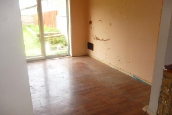 brackla-house-clearance-50-300x2258CC46349-E608-77E1-88AB-D81376596A43.jpg