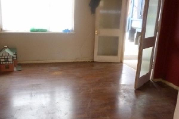 brackla-house-clearance-52-225x300120AE0D9-A212-956F-42E3-6120FC357BC3.jpg
