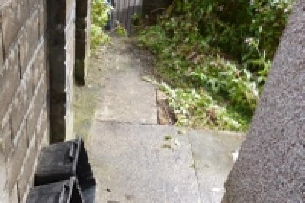 porthcawl-waste-clearance-102C260049C-6AD2-BA4B-043A-8C4F0C4EA87E.jpg