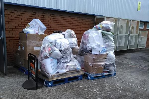 waste-store-clearance-swansea-282287131-3319-BA5F-52C9-F82E05DB9E5E.jpg